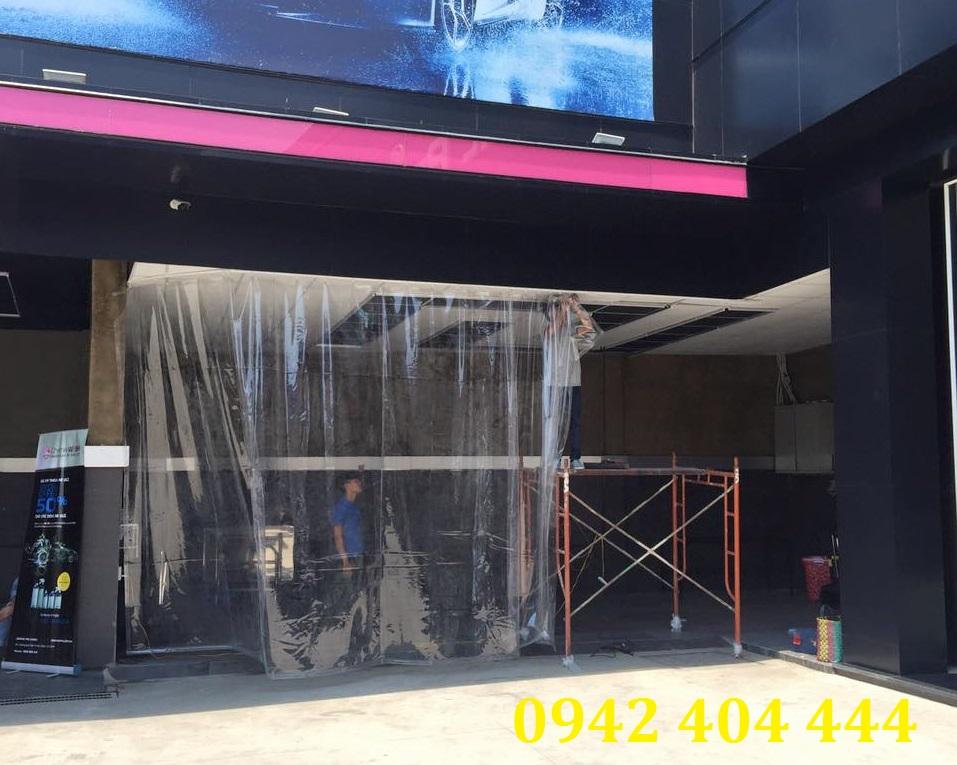 Lắp đặt màn nhựa PVC nguyên tấm