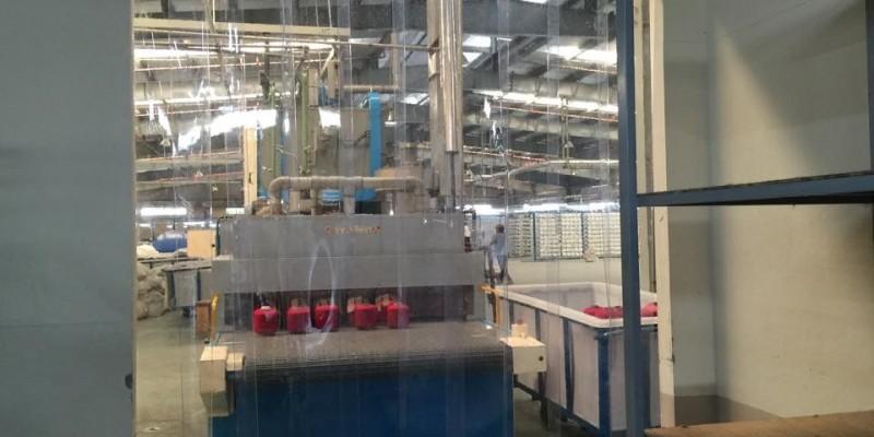 Rèm nhựa ngăn bụi cho xưởng dệt may