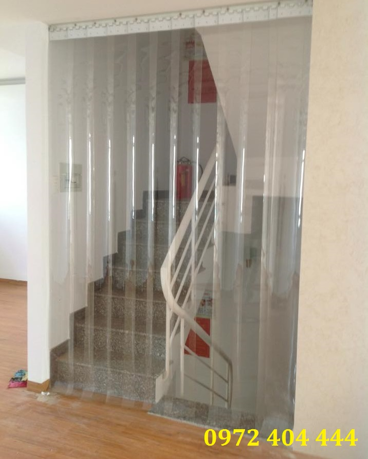 Công ty Lương Tiến chuyên lắp đặt màn nhựa ngăn lạnh