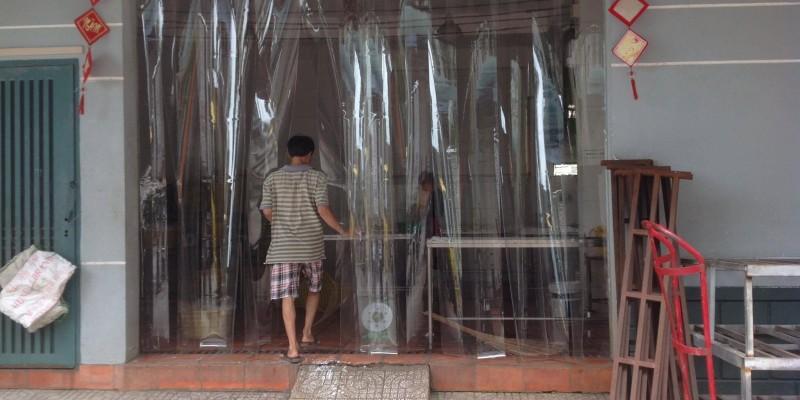 Thi công rèm nhựa cho nhà riêng với chi phí thấp