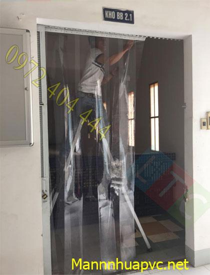 Lắp đặt màn nhựa PVC cho nhà kho
