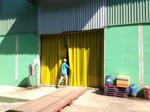 Bán màn nhựa PVC ngăn côn trùng chất lượng