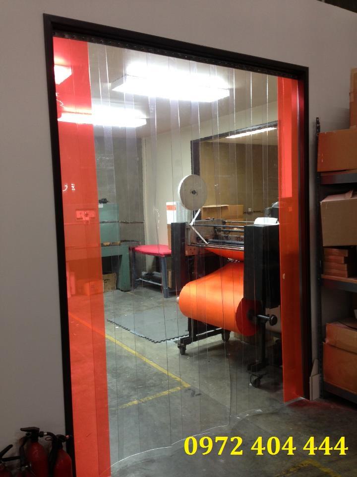 Công ty Lương Tiến chuyên thi công màn nhựa PVC cho mọi công trình