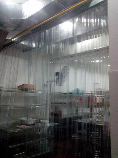 màn nhựa pvc chống bụi cho nhà