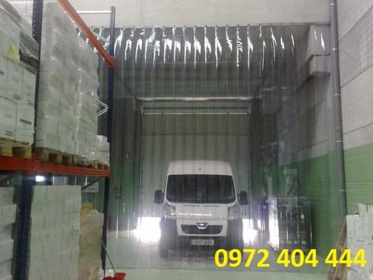 Công ty Lương Tiến chuyên thi công, lắp đặt màn nhựa PVC hiệu quả