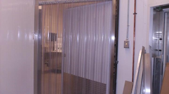 Công ty Lương Tiến cung cấp đa dạng chủng loại màn nhựa