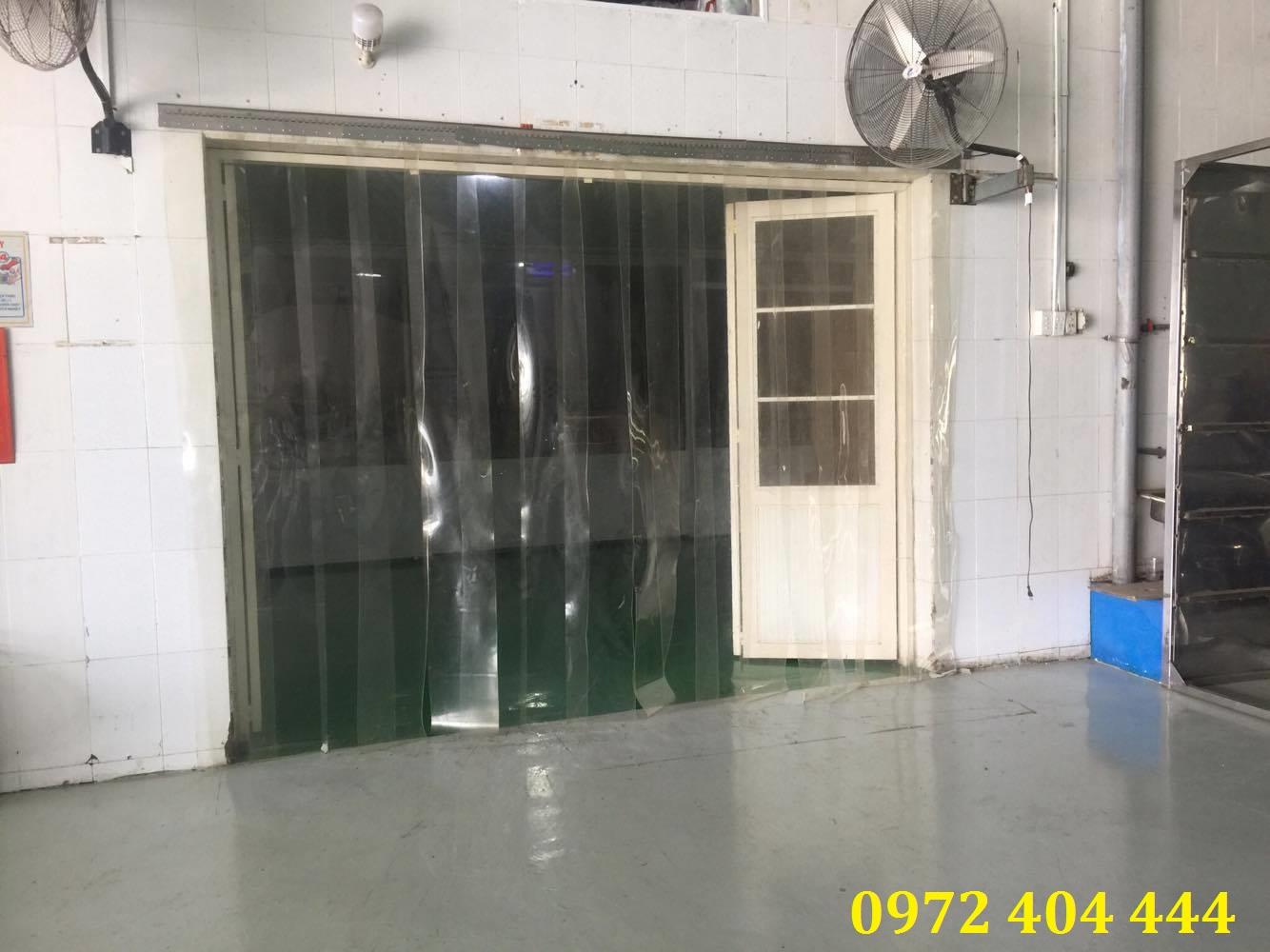Màn nhựa PVC cho cửa kho hàng