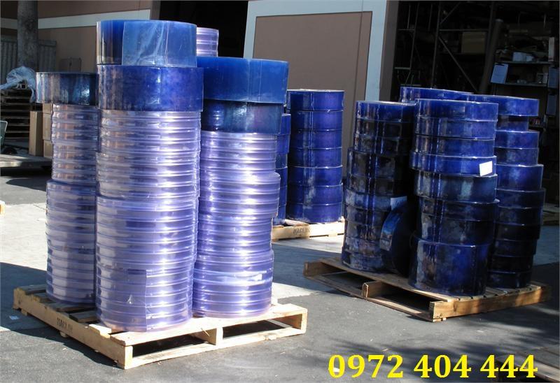 Màn nhựa PVC dạng cuộn nhập khẩu